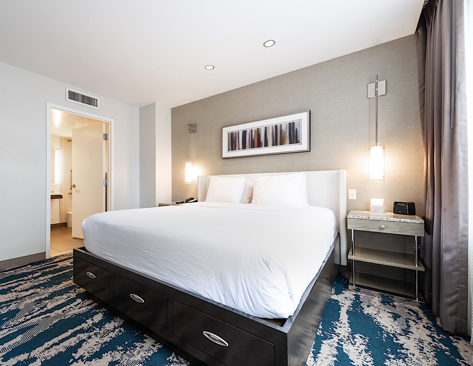 Read Hotel Felix Chicago Reviews Downtown Chicago Hotel