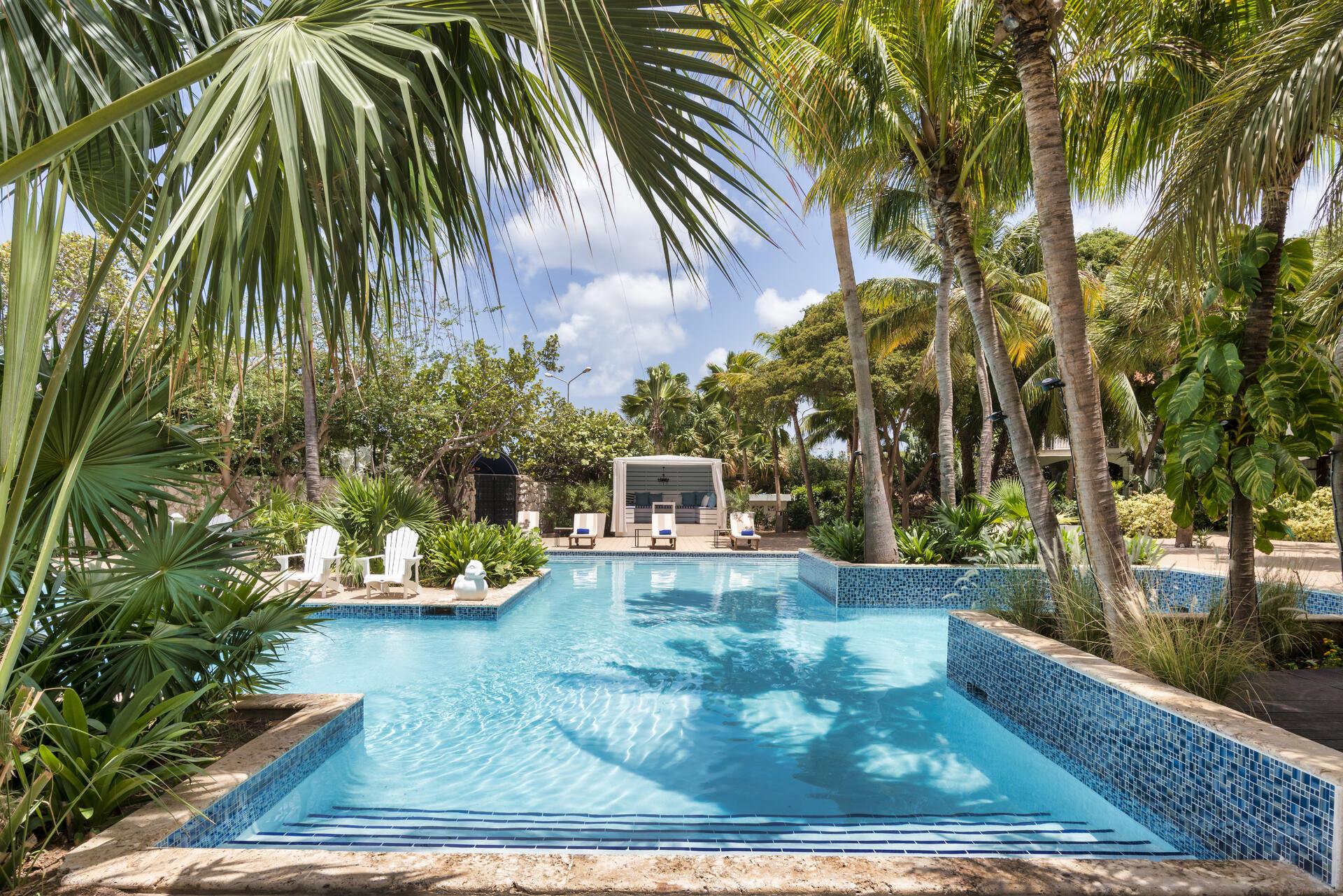 Floris Hotel's Pool