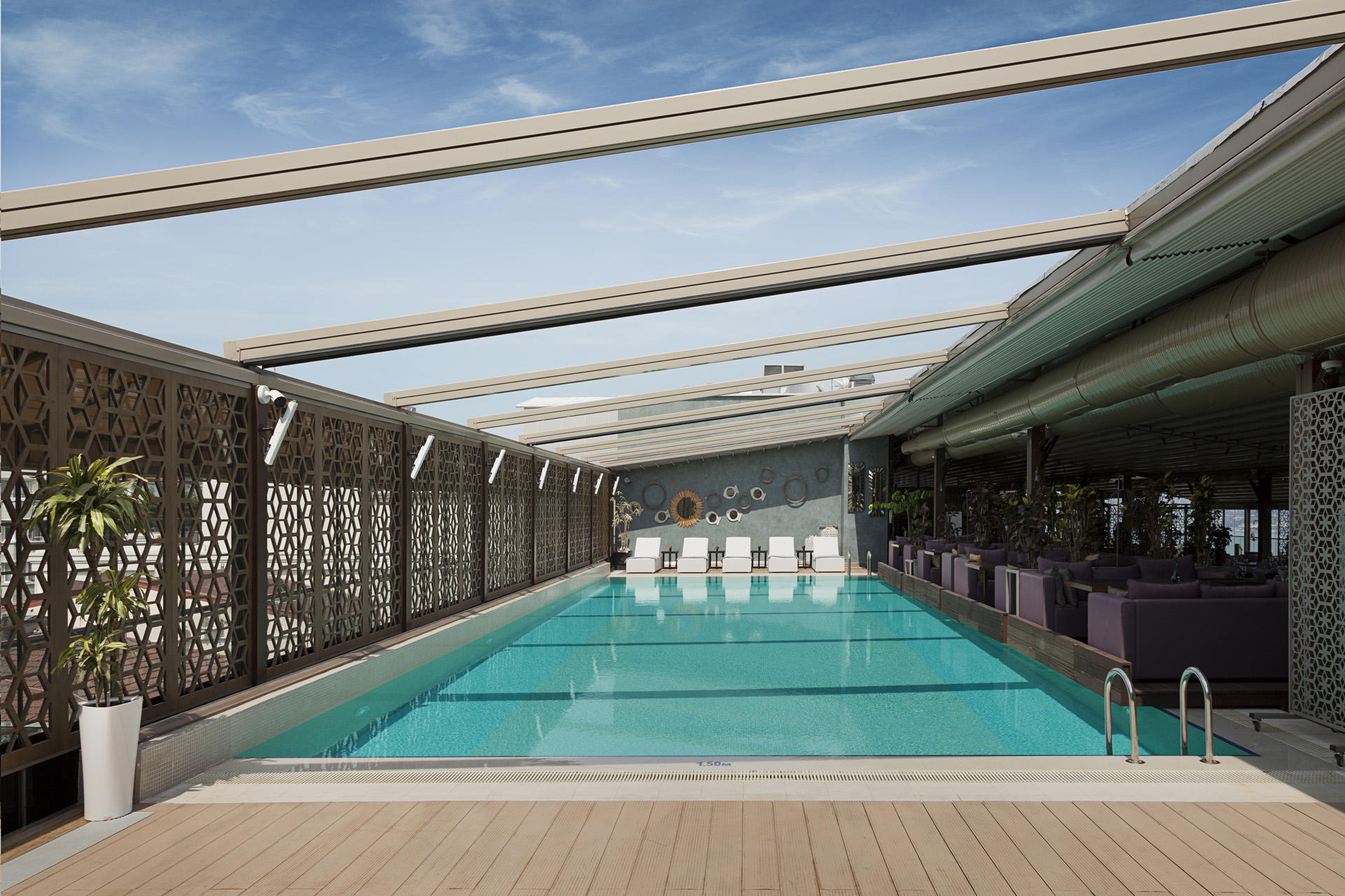 Pool at IZAKA Restaurant & Bar in Istanbul