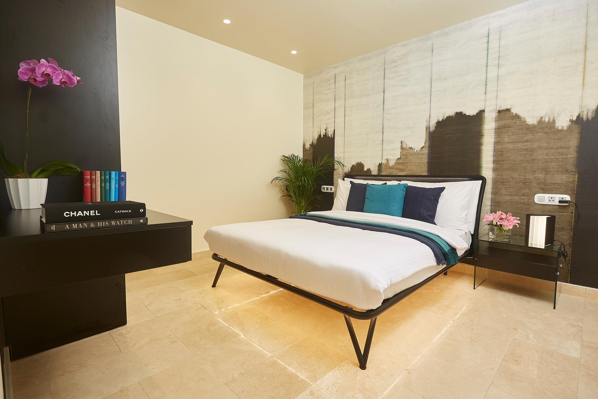 Deluxe two bedroom suite premier at Kwarleyz Residence in Accra