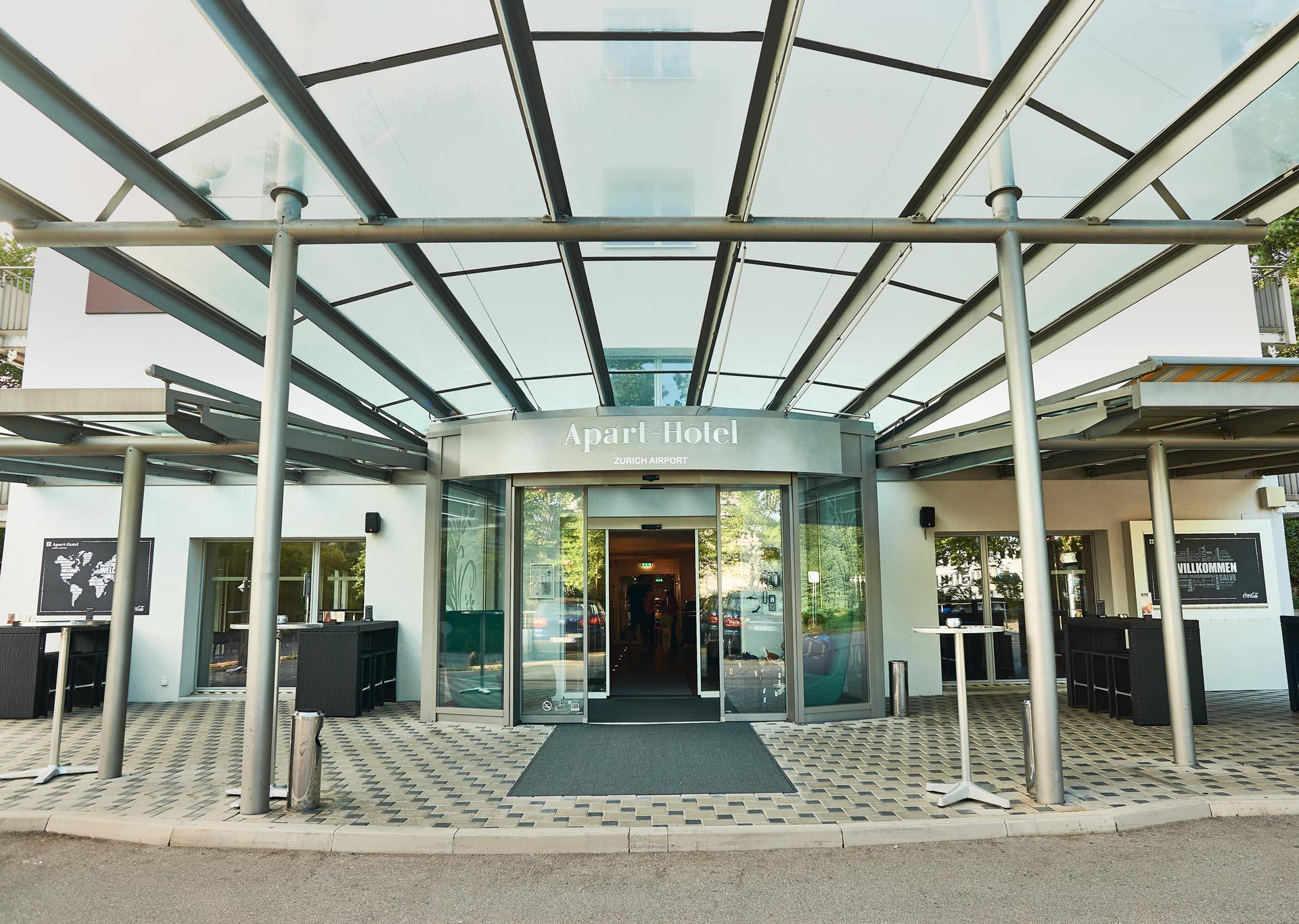 Entrance at Apart-Hotel Zurich Airport