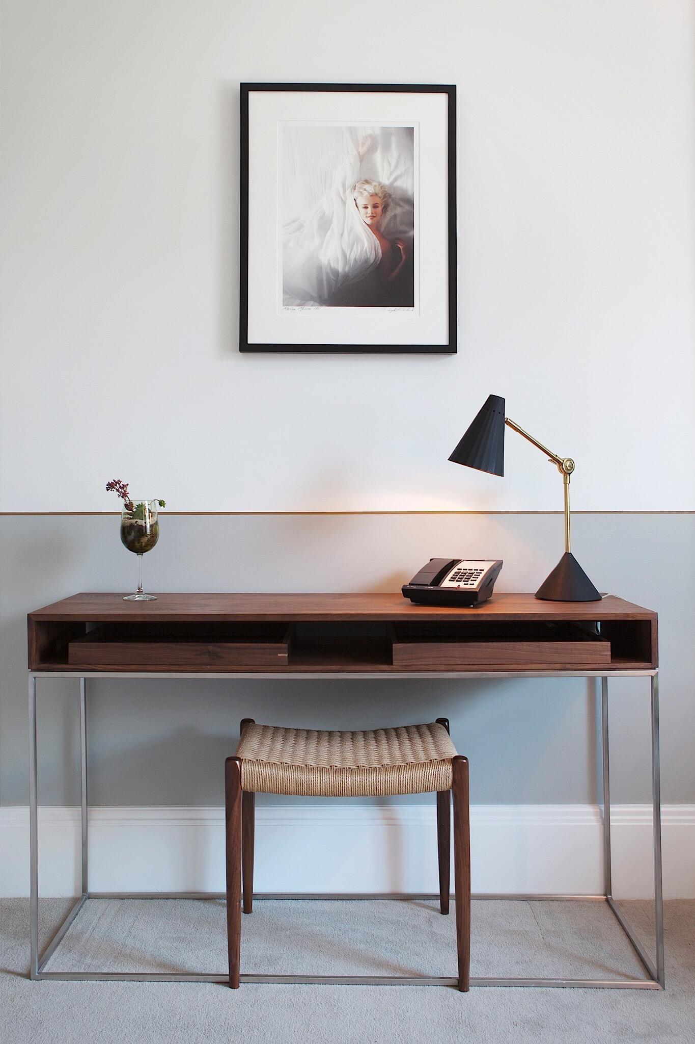 Work desk in Junior Suite