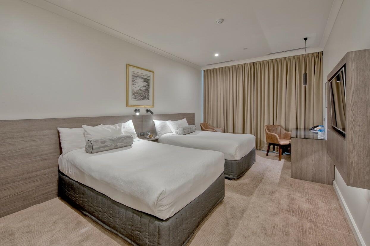 Deluxe Twin Room at Duxton Hotel Perth