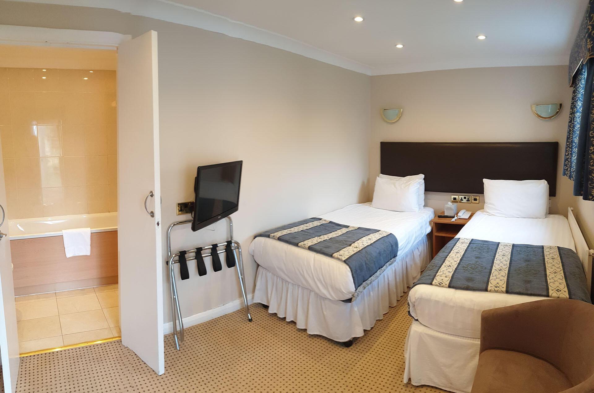 Standard Twin Room at The Barn Hotel, Ruislip