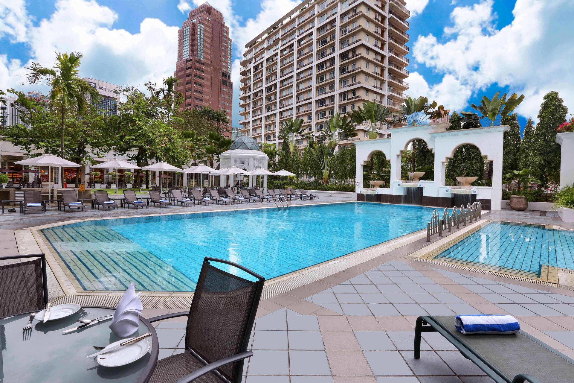 Hotel Istana's outdoor swimming pool