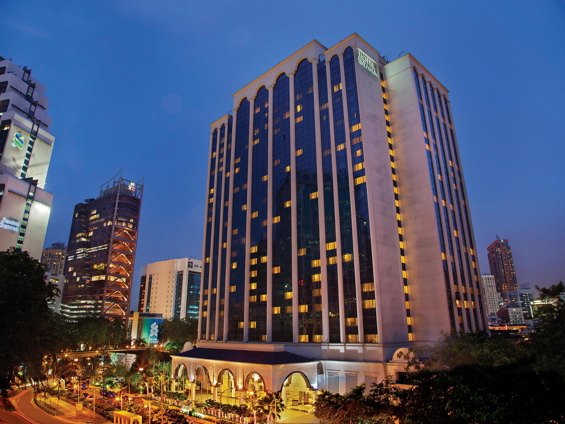 Facade of Hotel Istana Kuala Lumpur at night