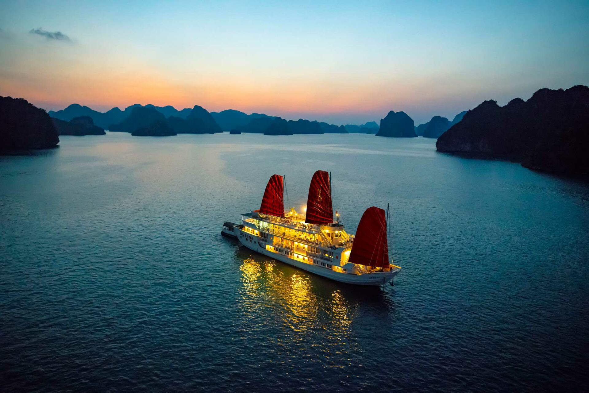 Syrena Cruises - Best Halong Bay Cruises Overview