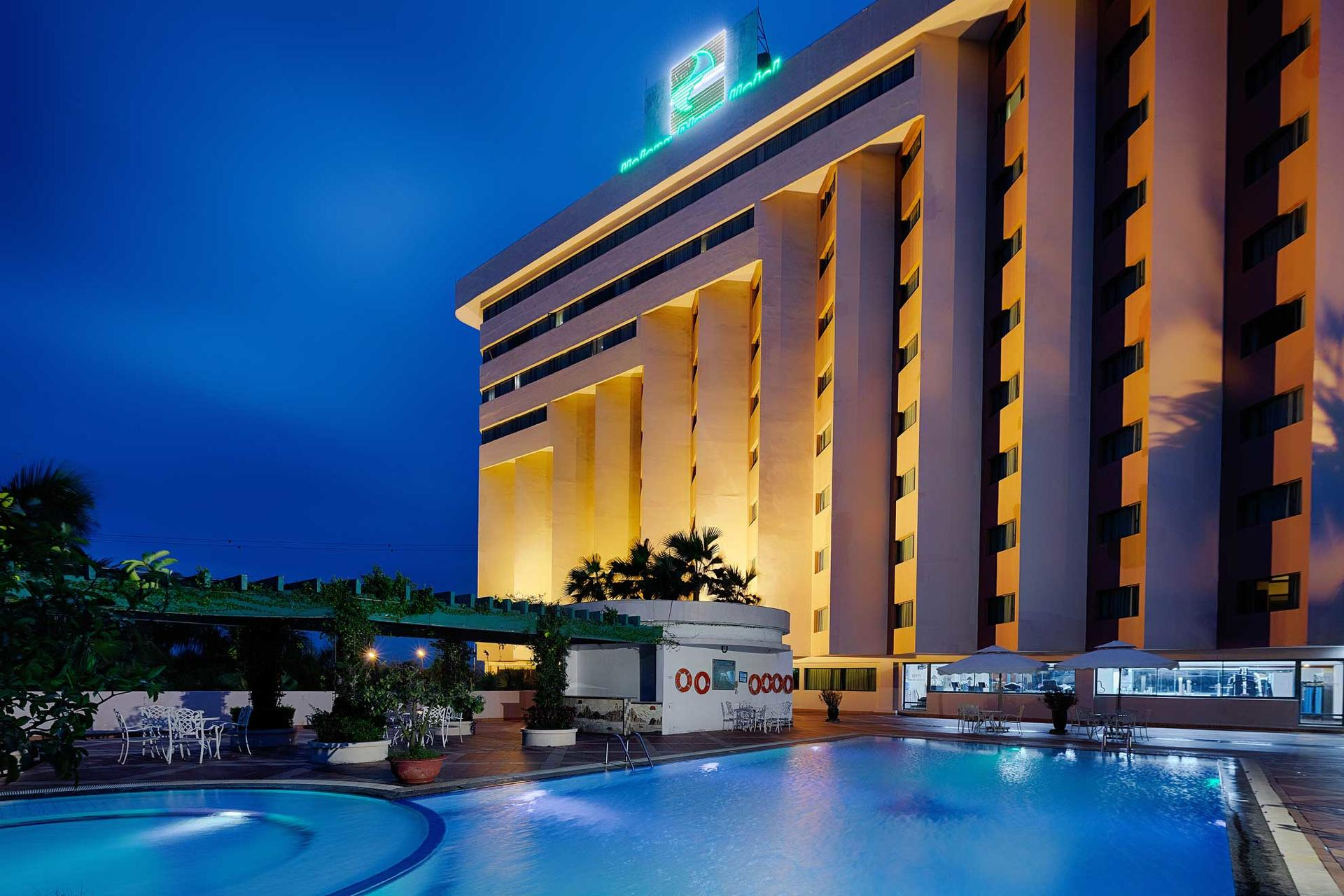 Halong Plaza Hotel_Swimming Pool