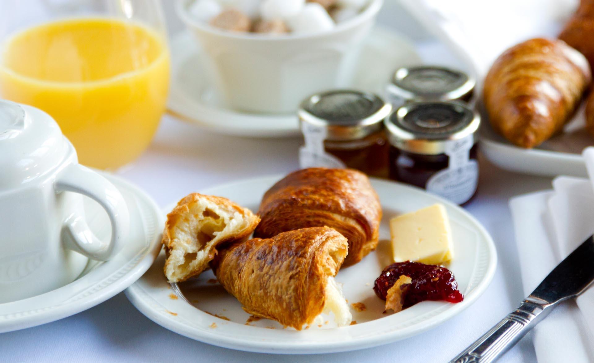 Continental breakfast at Barn Hotel Ruislip near London