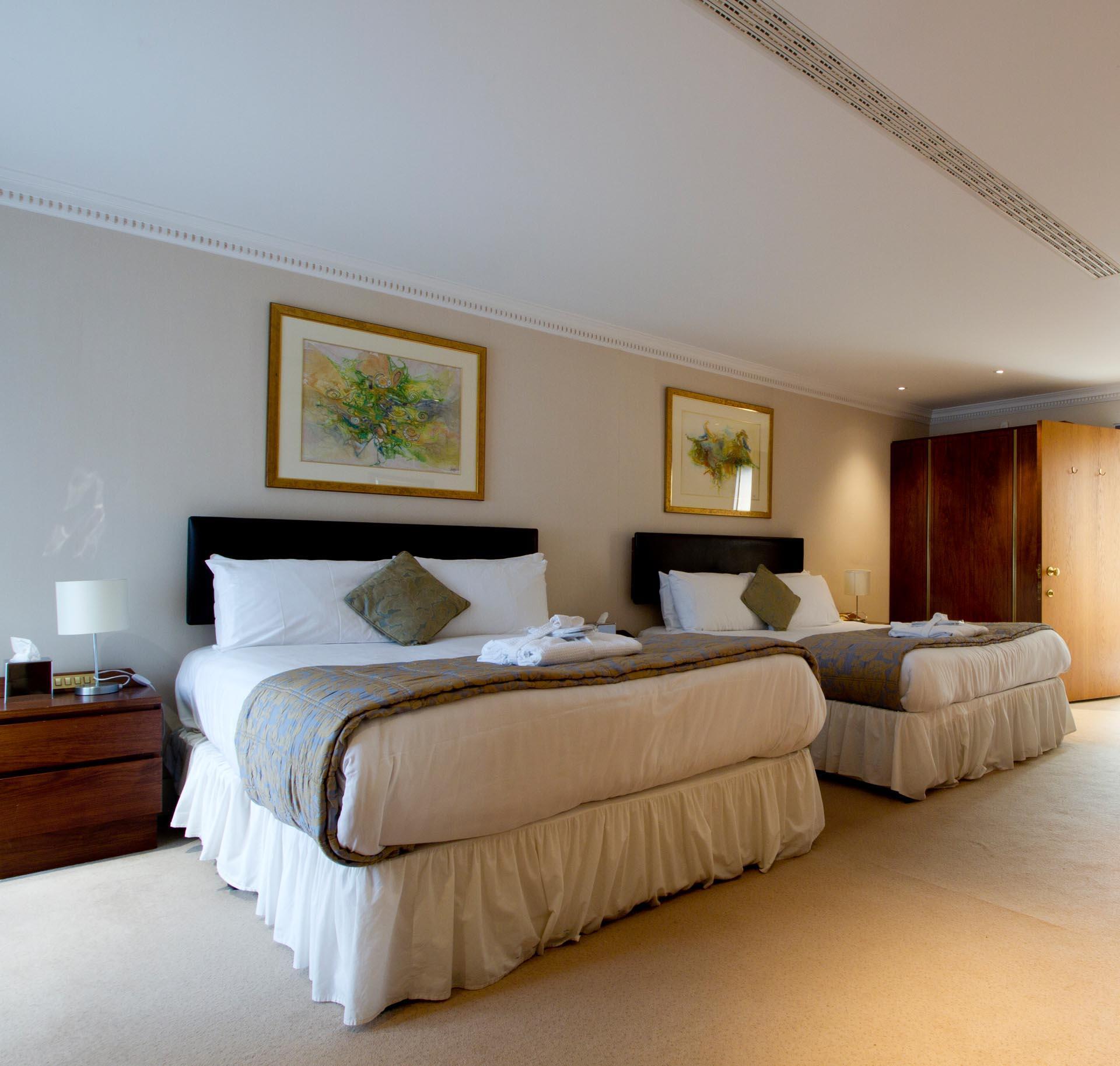 Deans Lodge Twin at Barn Hotel Ruislip near London