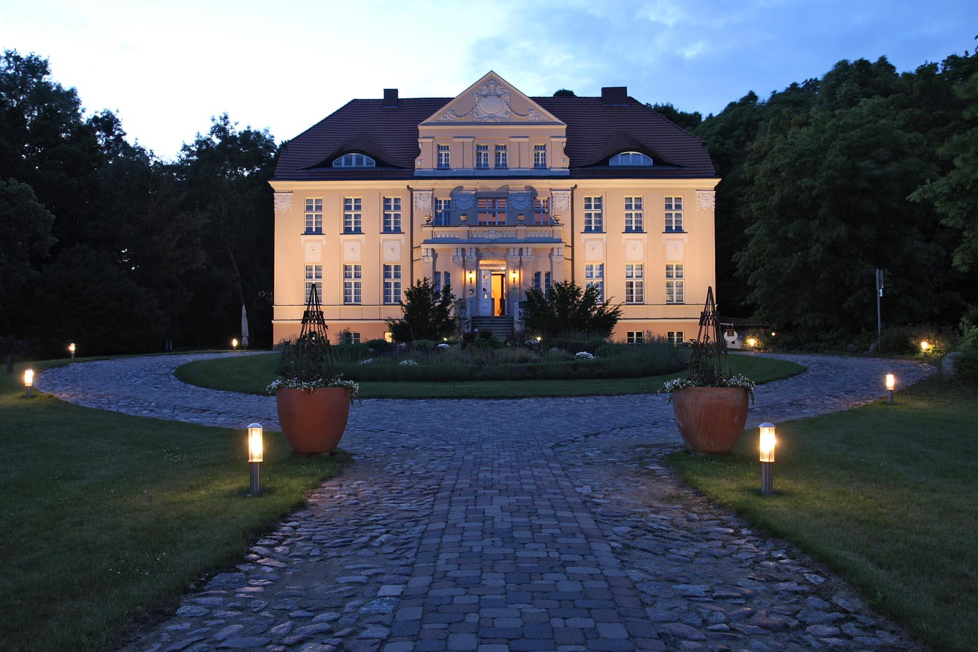 building and garden of Precise Resort Rügen