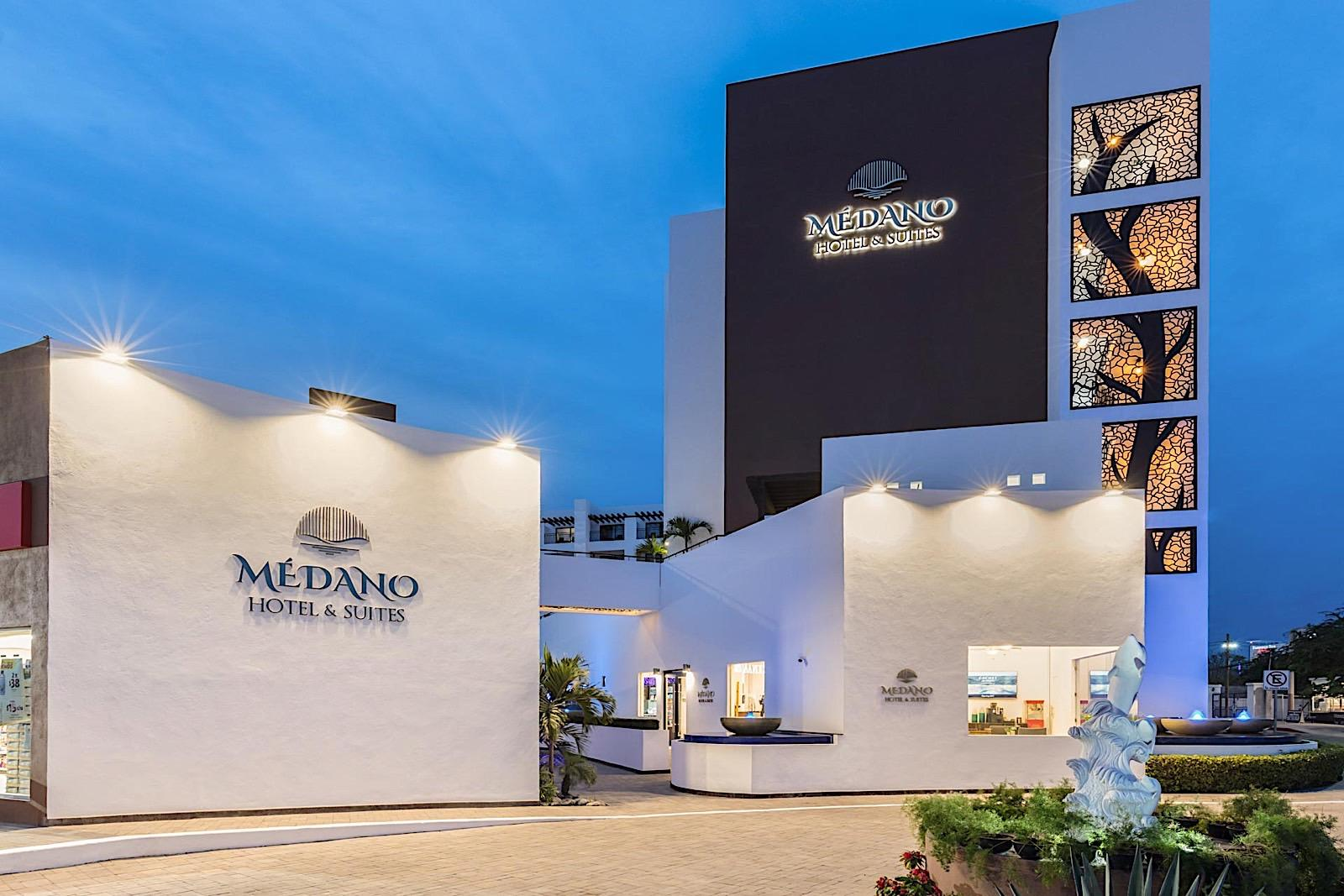 Exterior del Medano Hotel and Suites