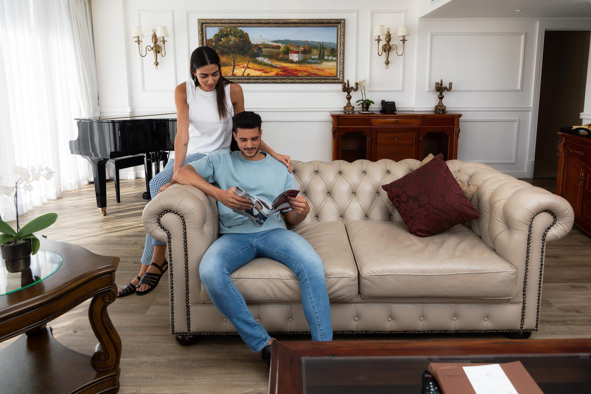 couple in presidential suite