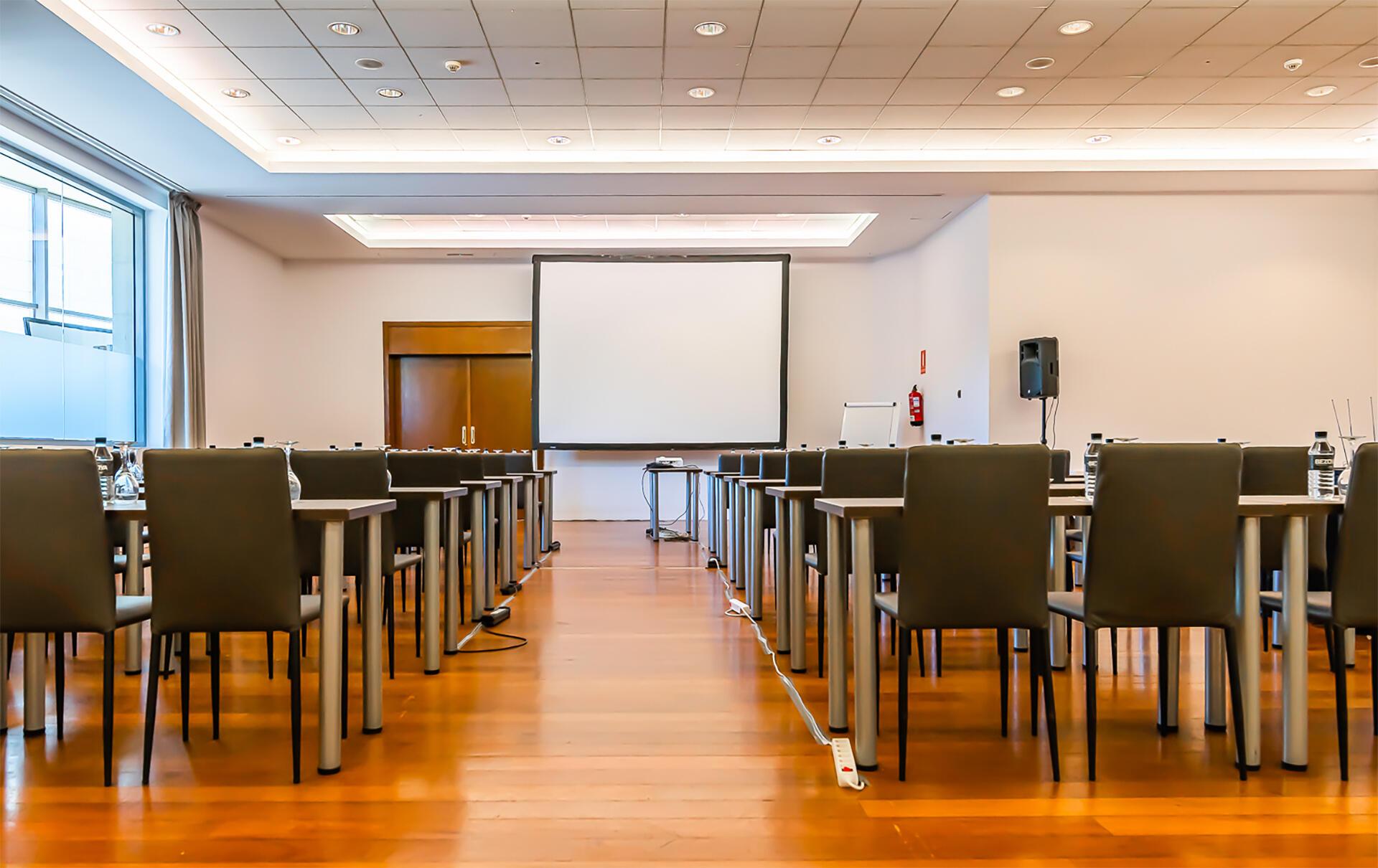 Conference room at Hotel Amura Alcobendas near Madrid Airport