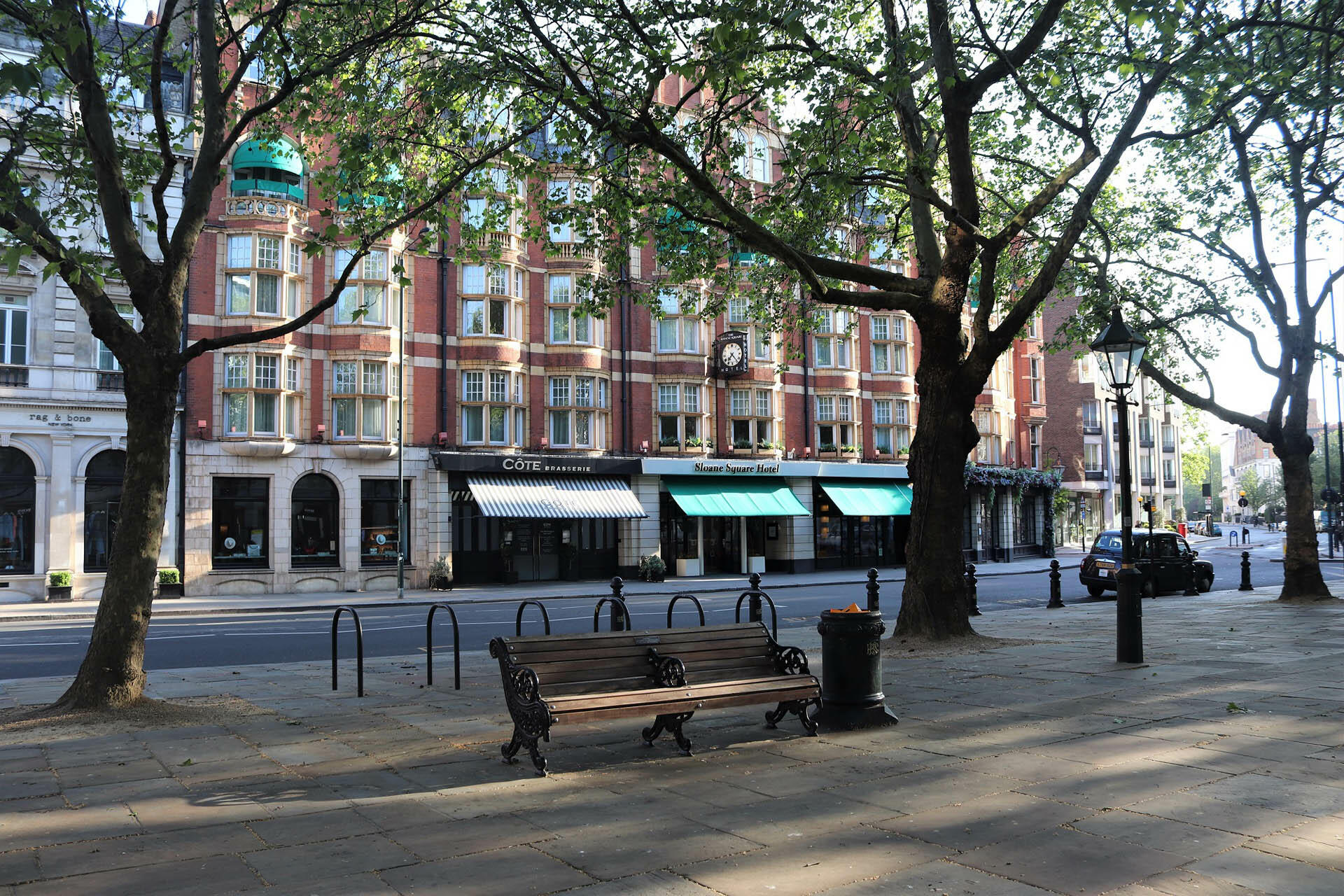 Exterior speing view from the square at Sloane Square Hotel