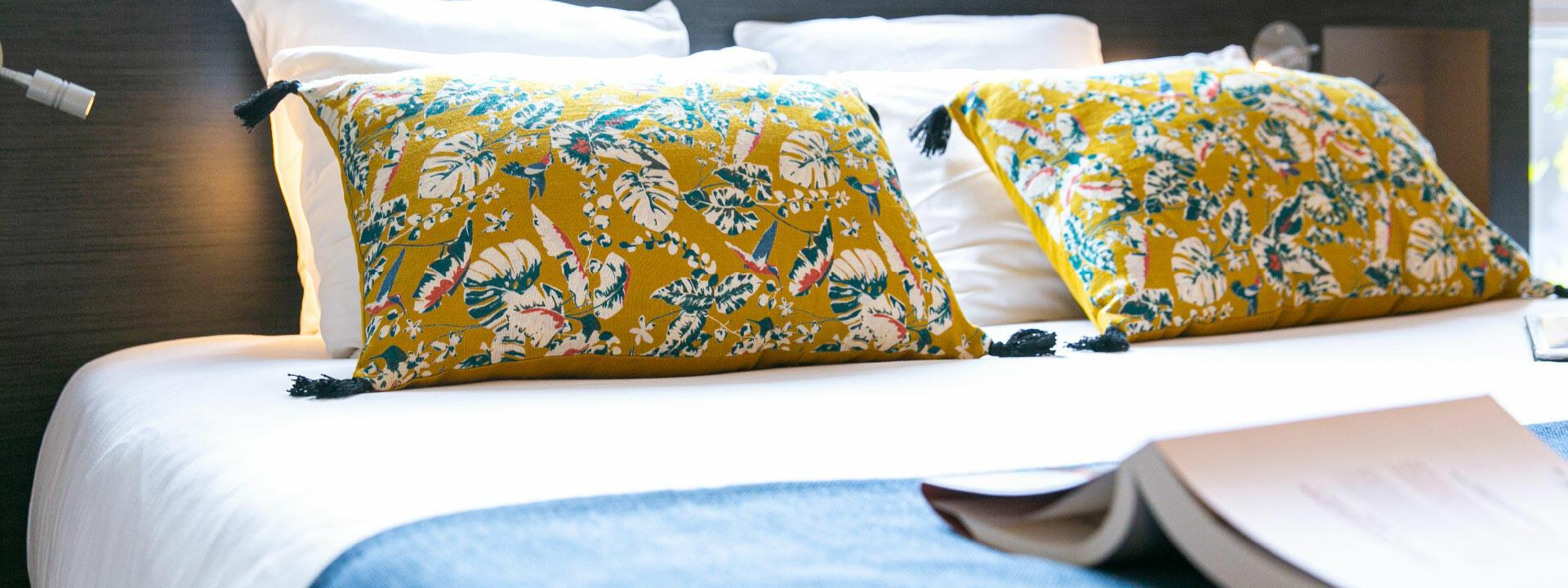 Lit double grand lit confort équipement décoration tendance Sain