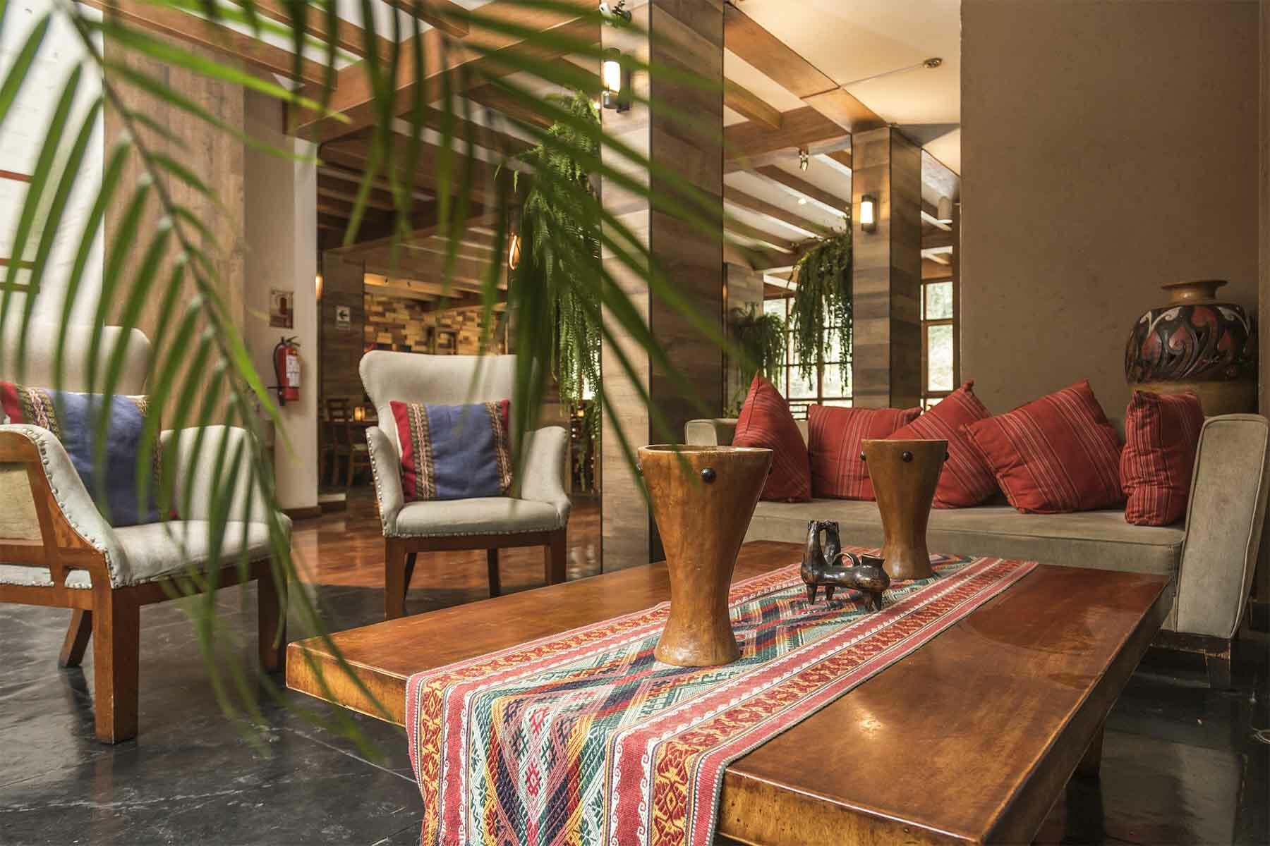 casa del sol lobby with seating area and coffee table