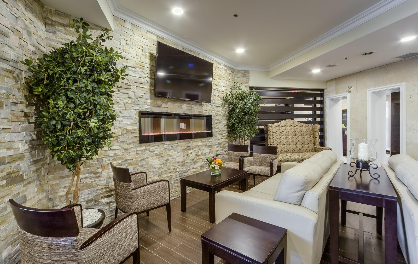 Sitting area at Monte Carlo Inn Vaughan Suites