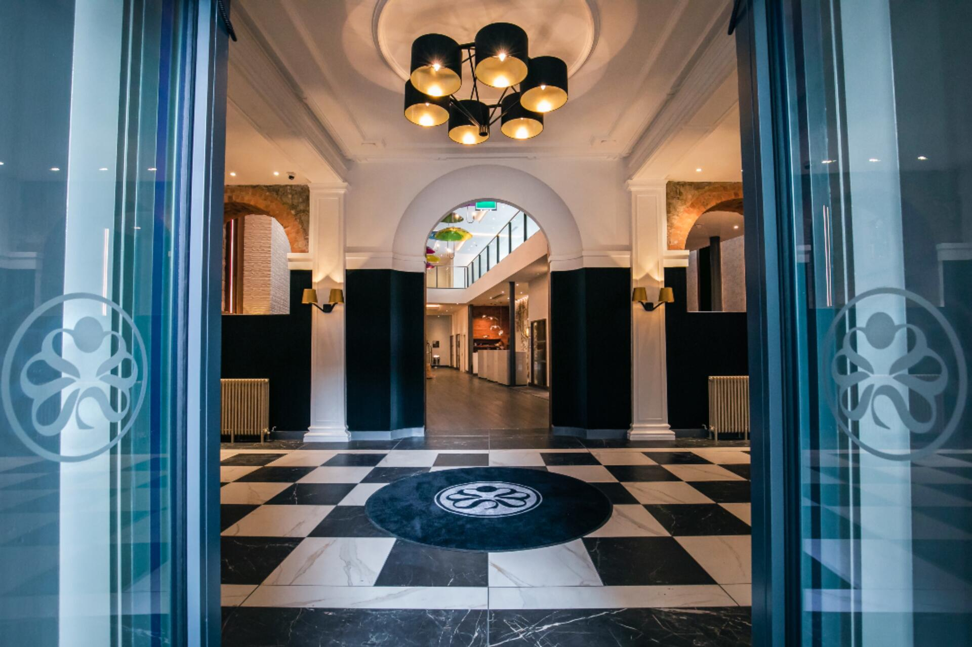 The entrance at Sandman Signature Aberdeen Hotel