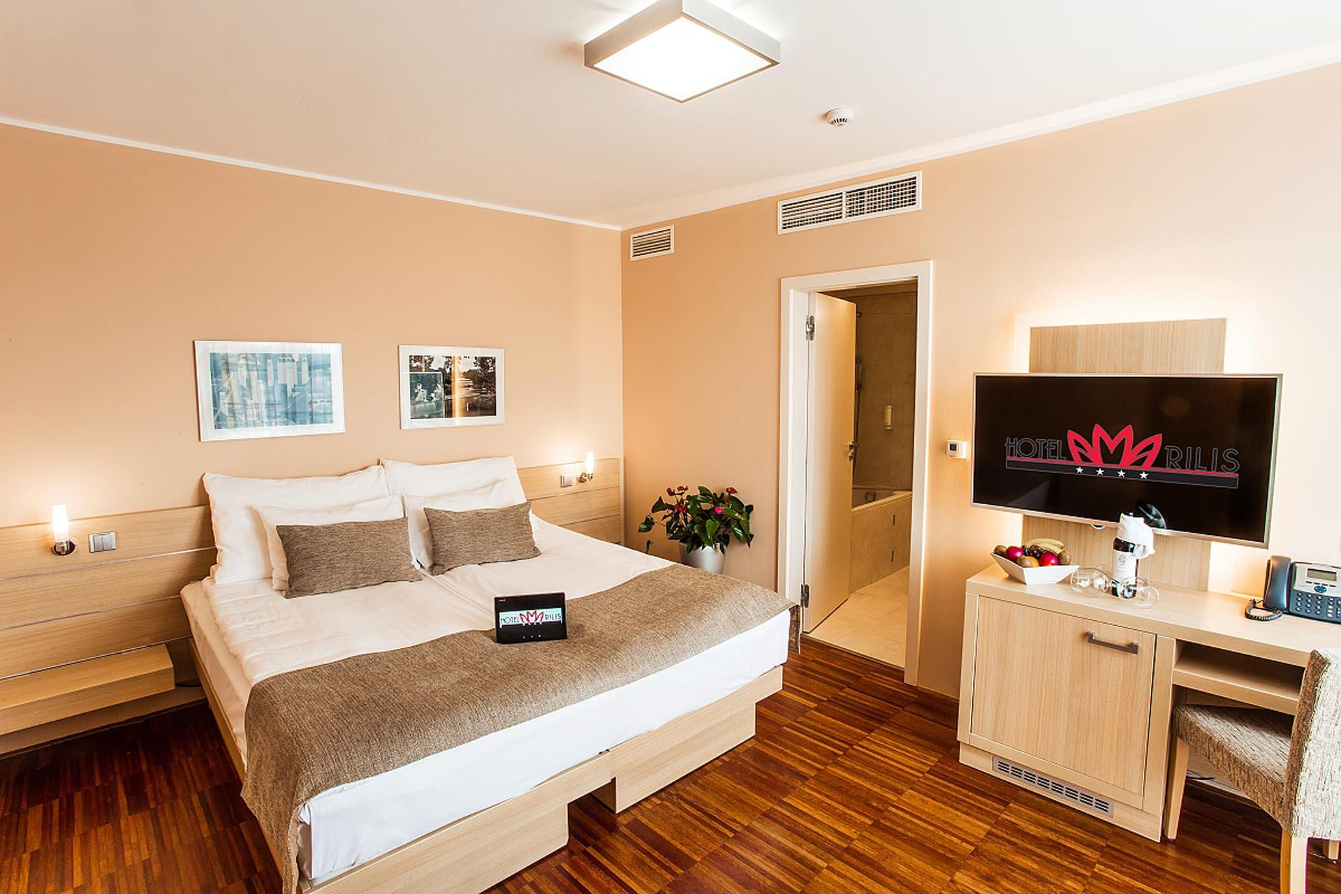 Superior Room with two beds at Hotel Amarilis