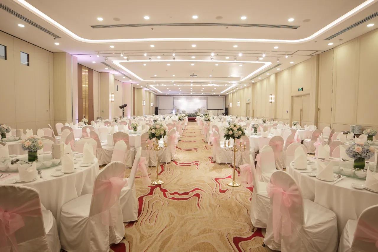 Romantic Wedding Venue Ho Chi Minh City | Eastin Grand Hotel Saigon