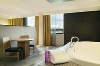 Coast Prince George Hotel by APA - Jacuzzi Suite(7)