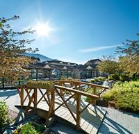 Coast Canmore Hotel & Conference Centre - Patio Bridge