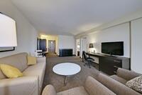 Coast-Kamloops-Premium-2-Bedroom-Suite-2-Queen-Beds 4