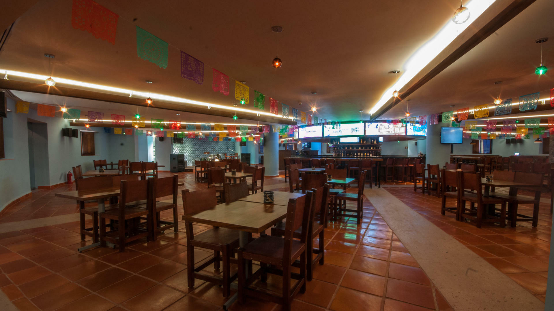 Dining area at Mexkalli Traditional Cuisine Restaurant in Mundo Imperial