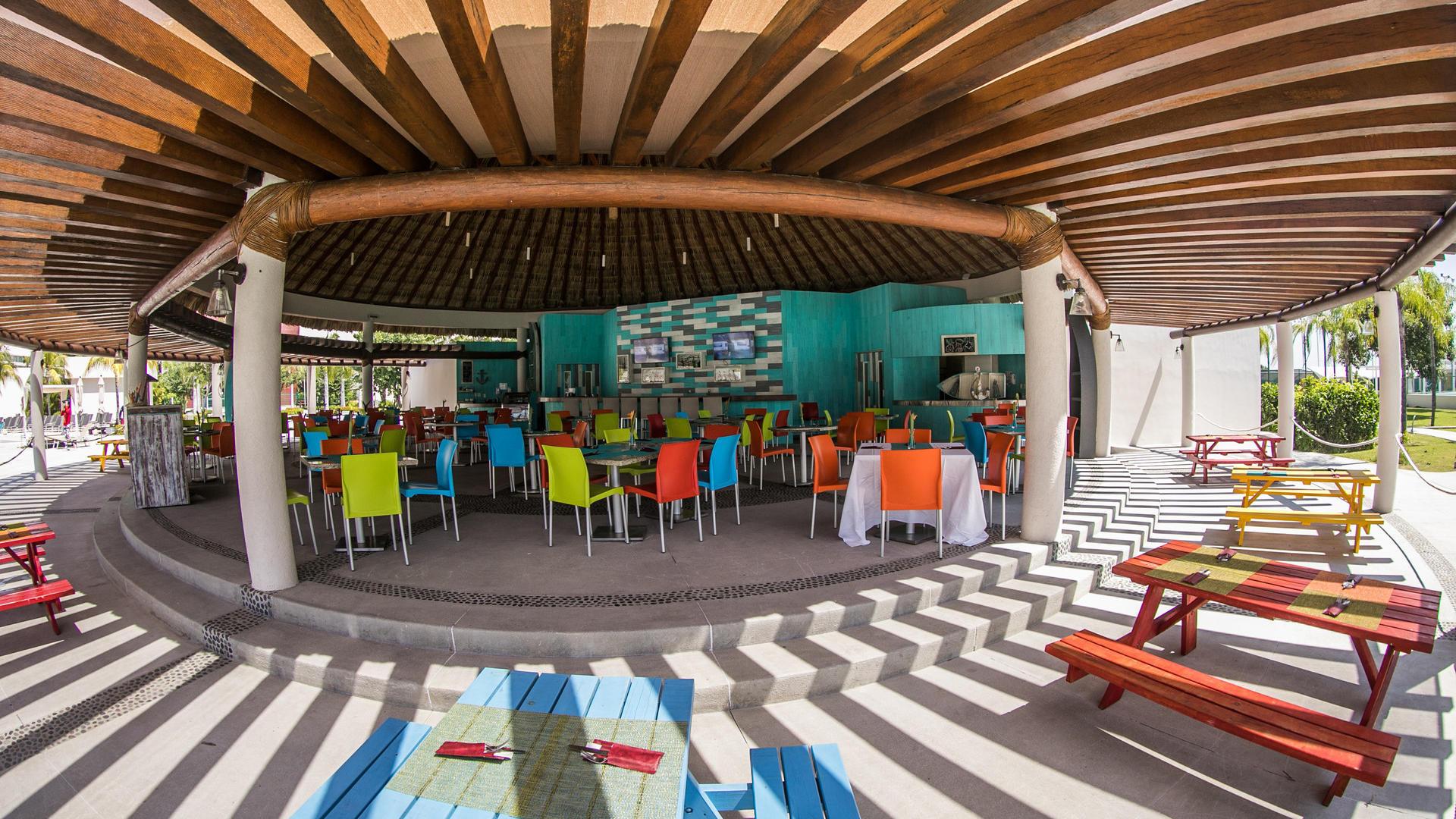 Dining area at Acua Restaurant in Mundo Imperial