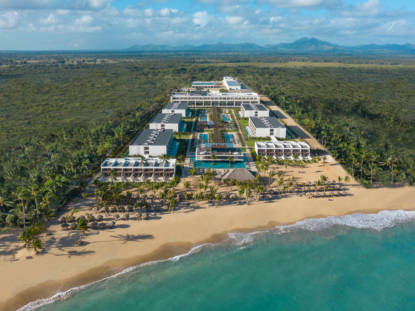 Exterior view of a hotel with ocean in the Punta Cana