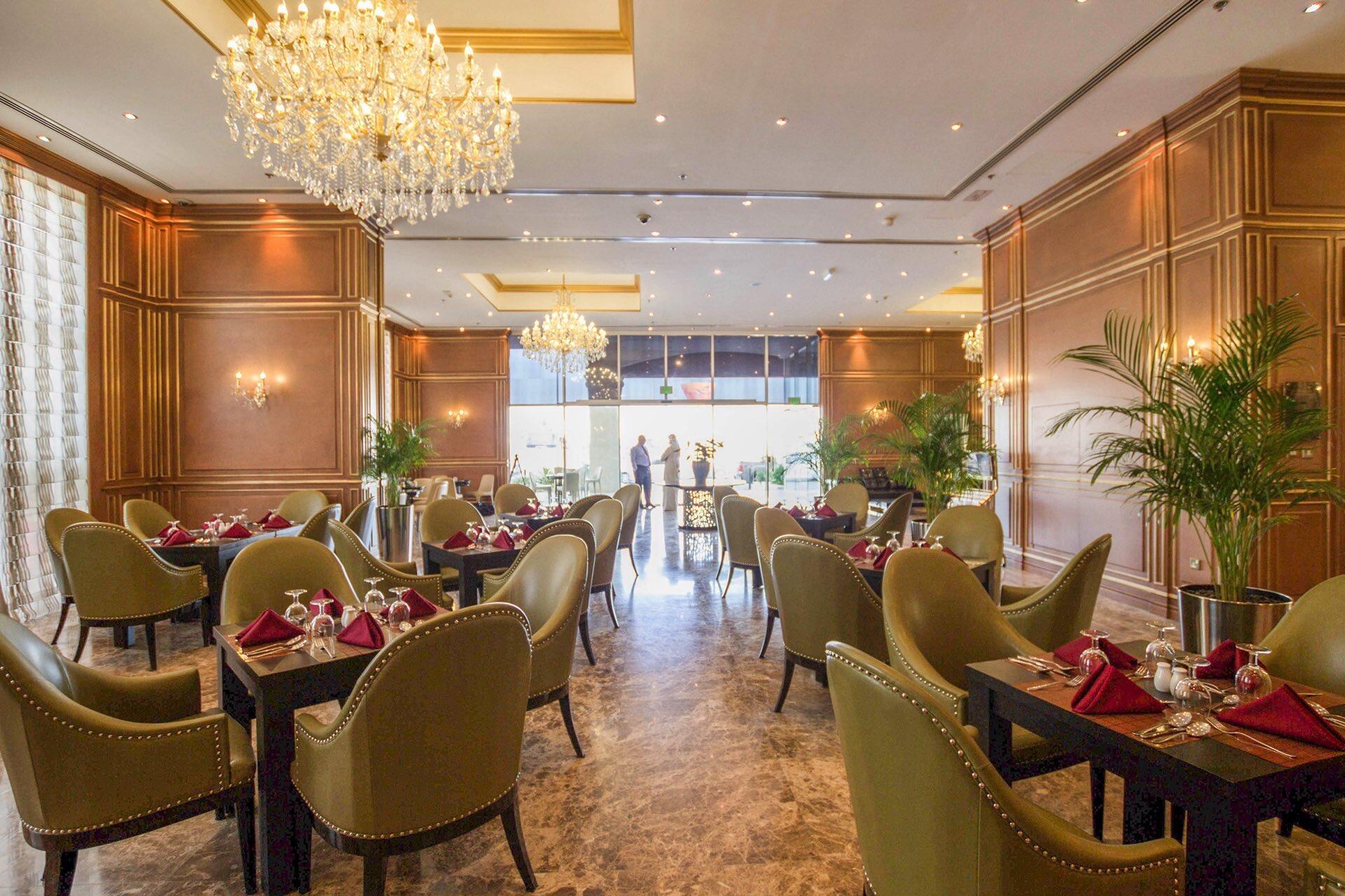 مطعم في فندق ستراتو ورويك