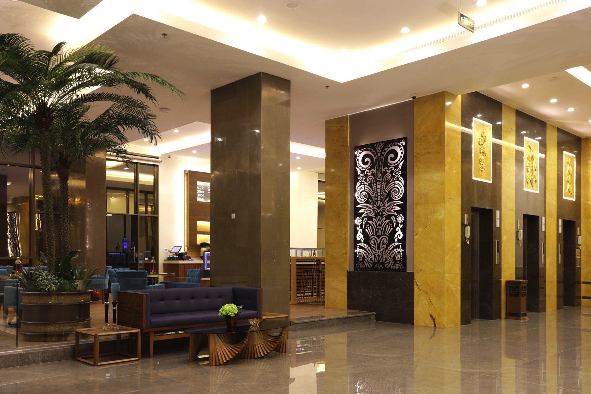 Lobby Elevators at Salsabil By Warwick