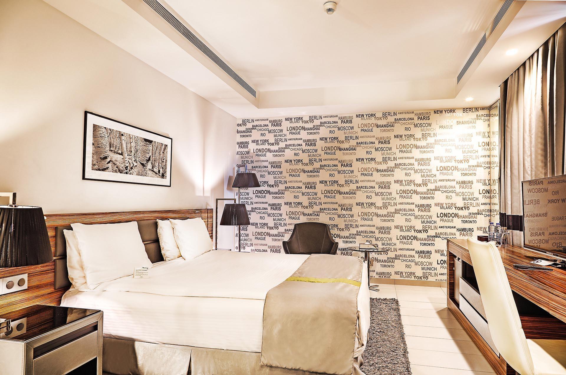 Warwick Stone 55 Deluxe Room