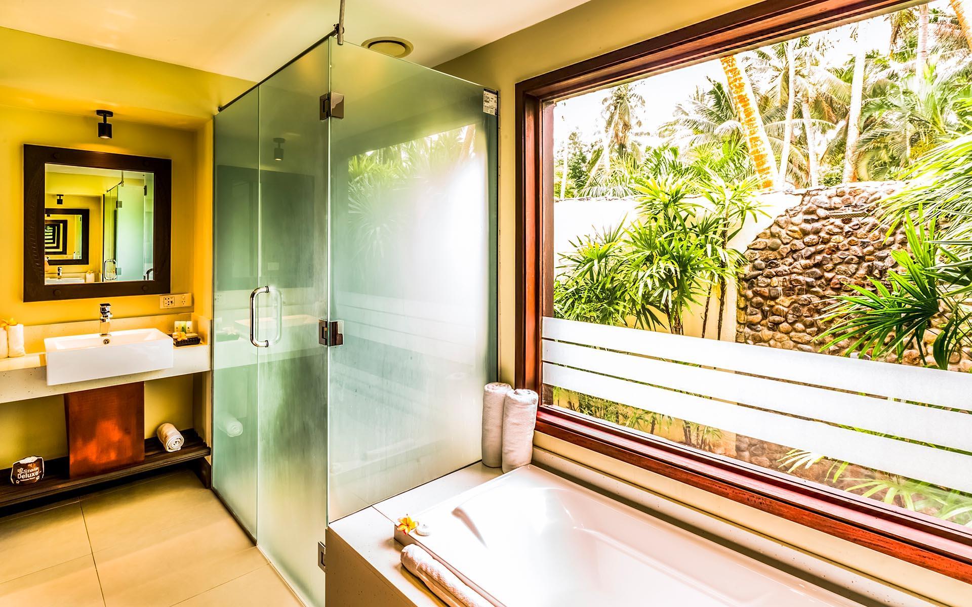 Beachfront Plunge Pool Bure Bathroom