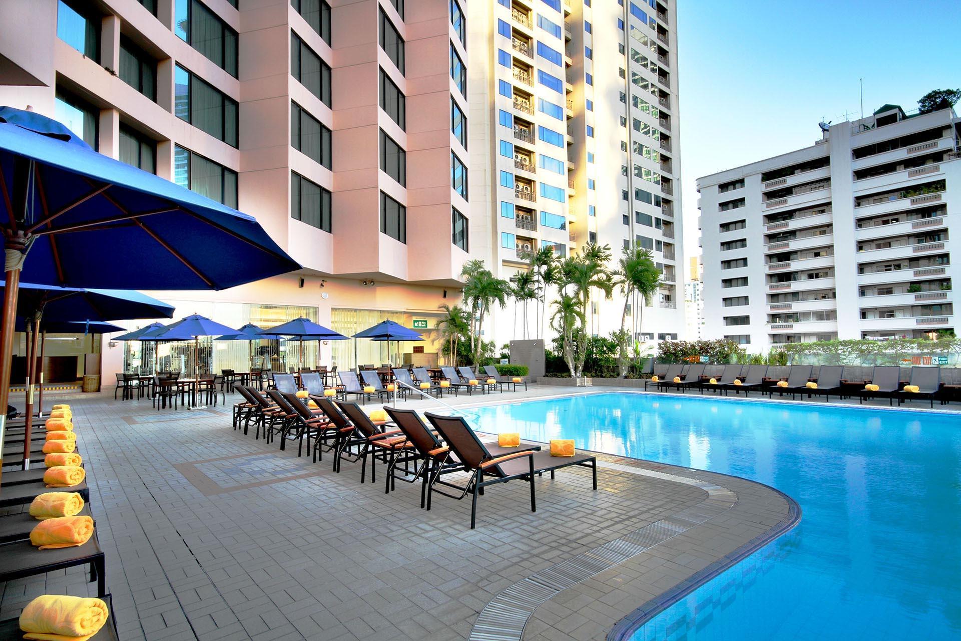 Rembrandt Hotel Bangkok Outdoor Pool