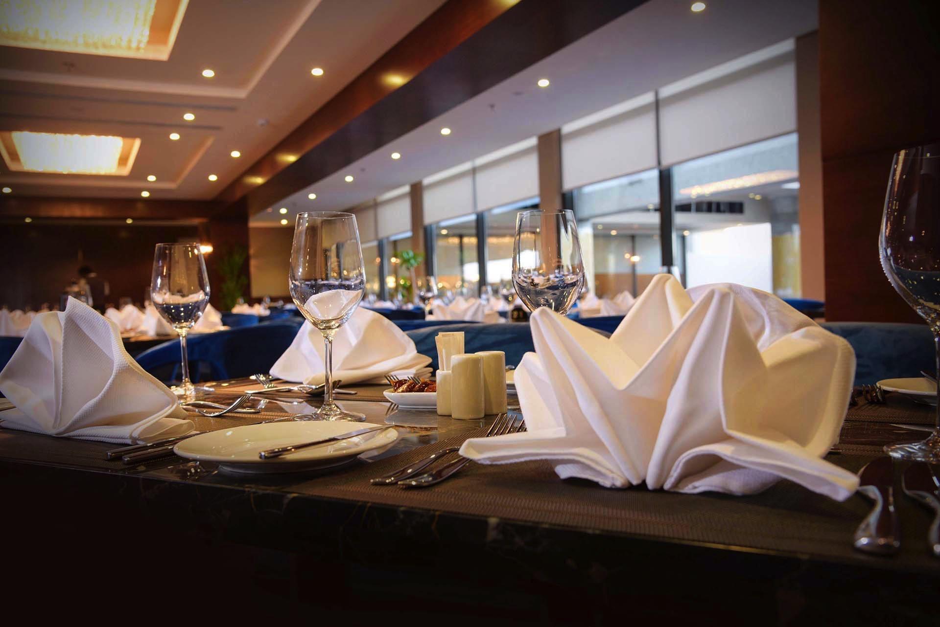 Al Rehanna Restaurant Table Set Up at Warwick Al Khobar