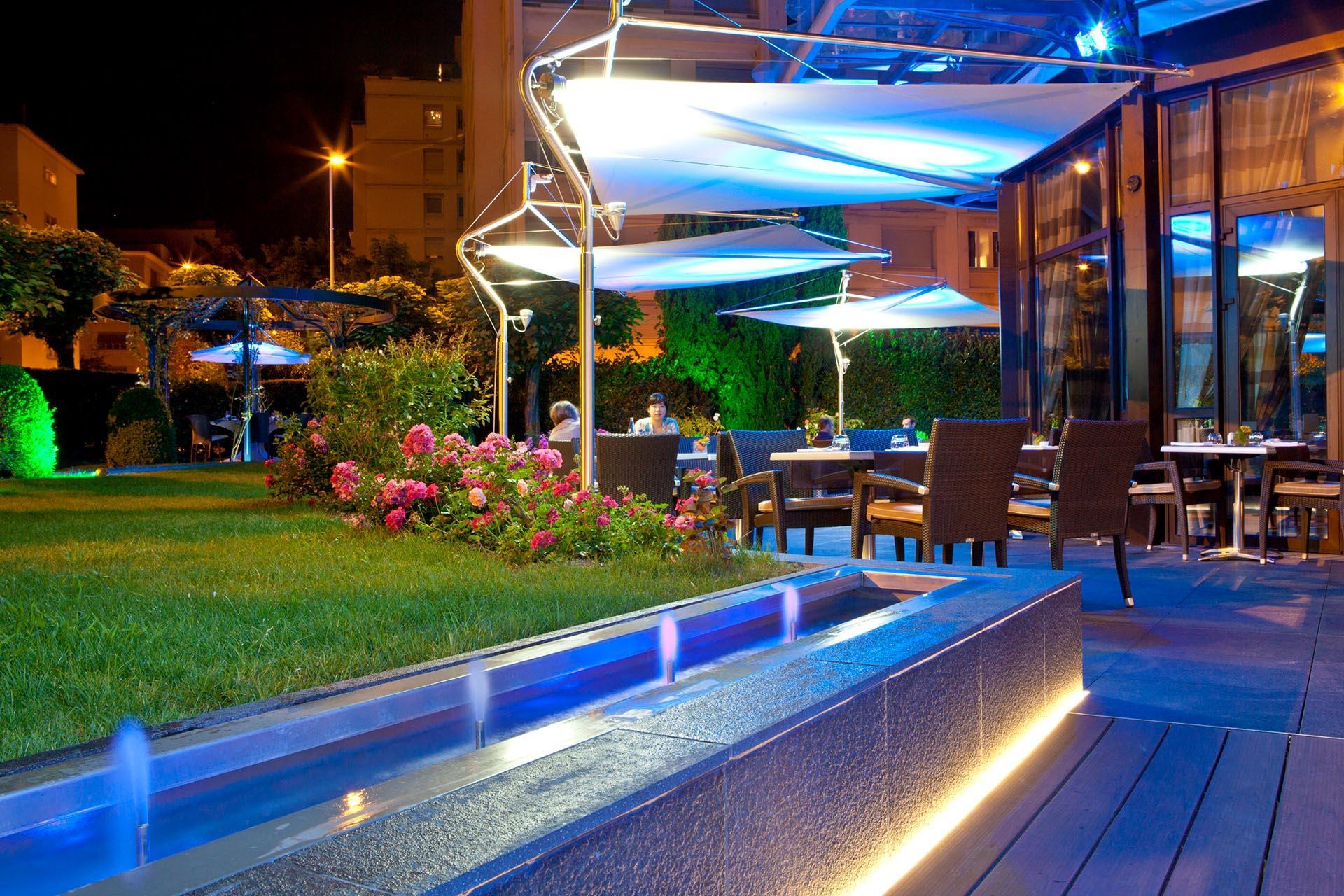 Terrasse du bar, de nuit