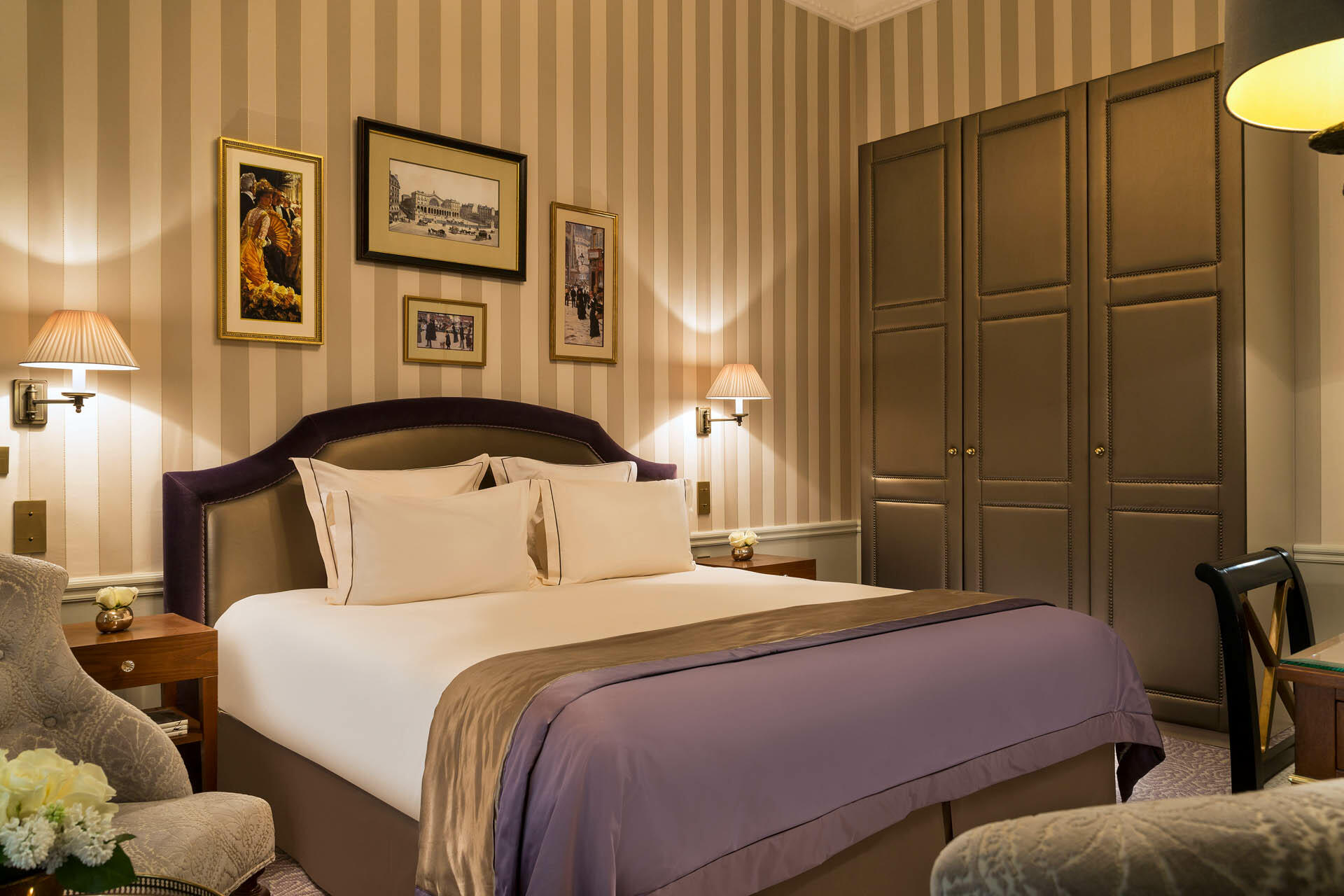Signature Room on Hero at Westminster Warwick Paris