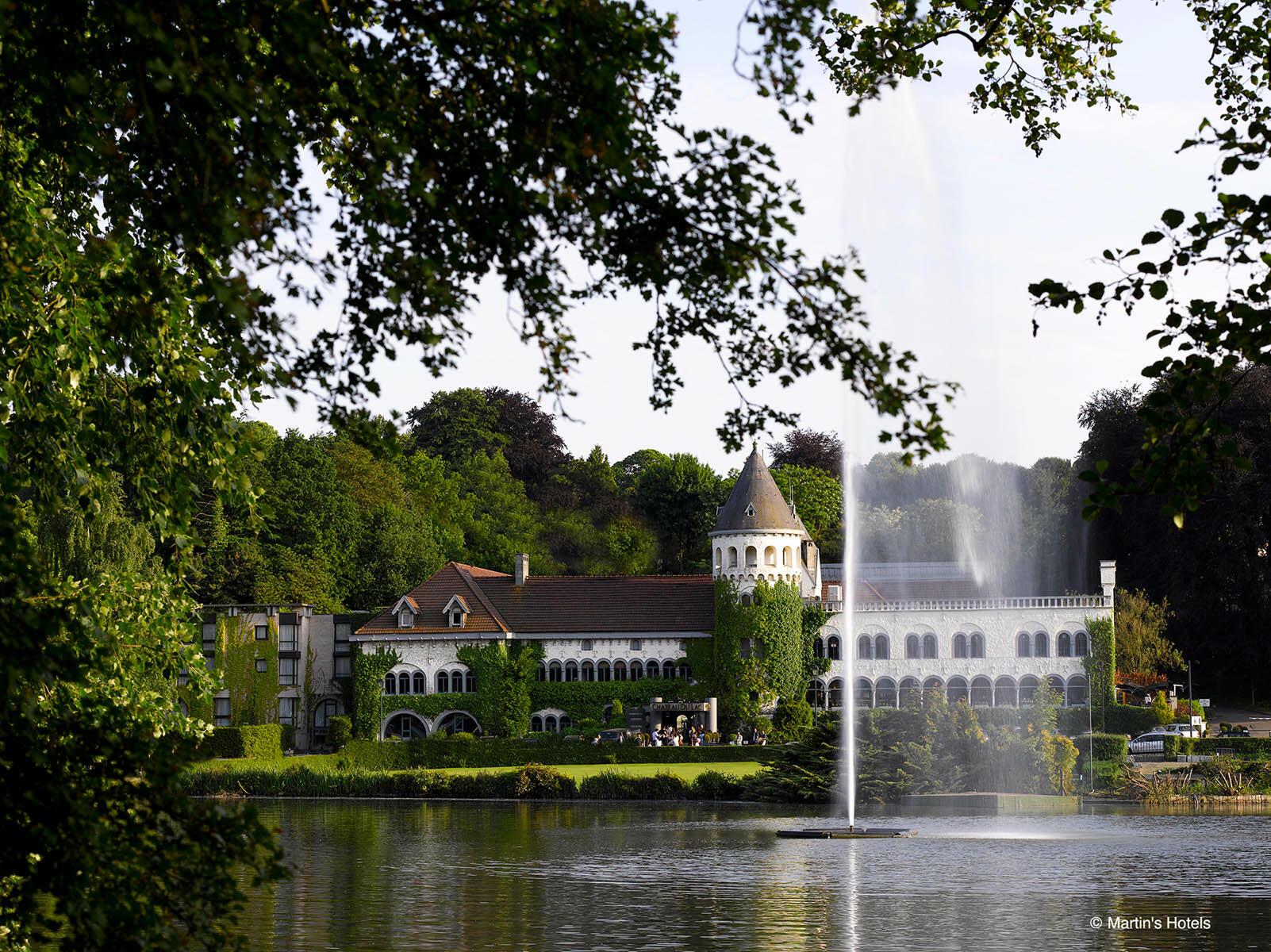 Château du Lac setting Relax