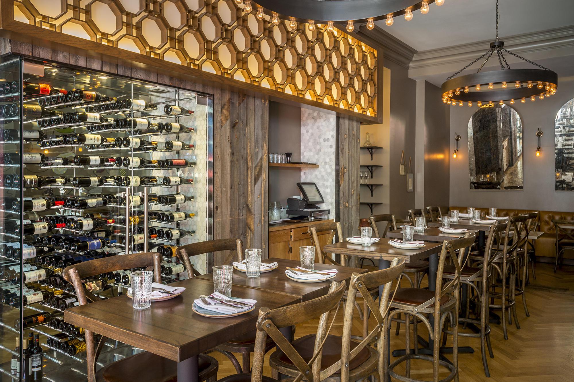 Bota Restaurant dining