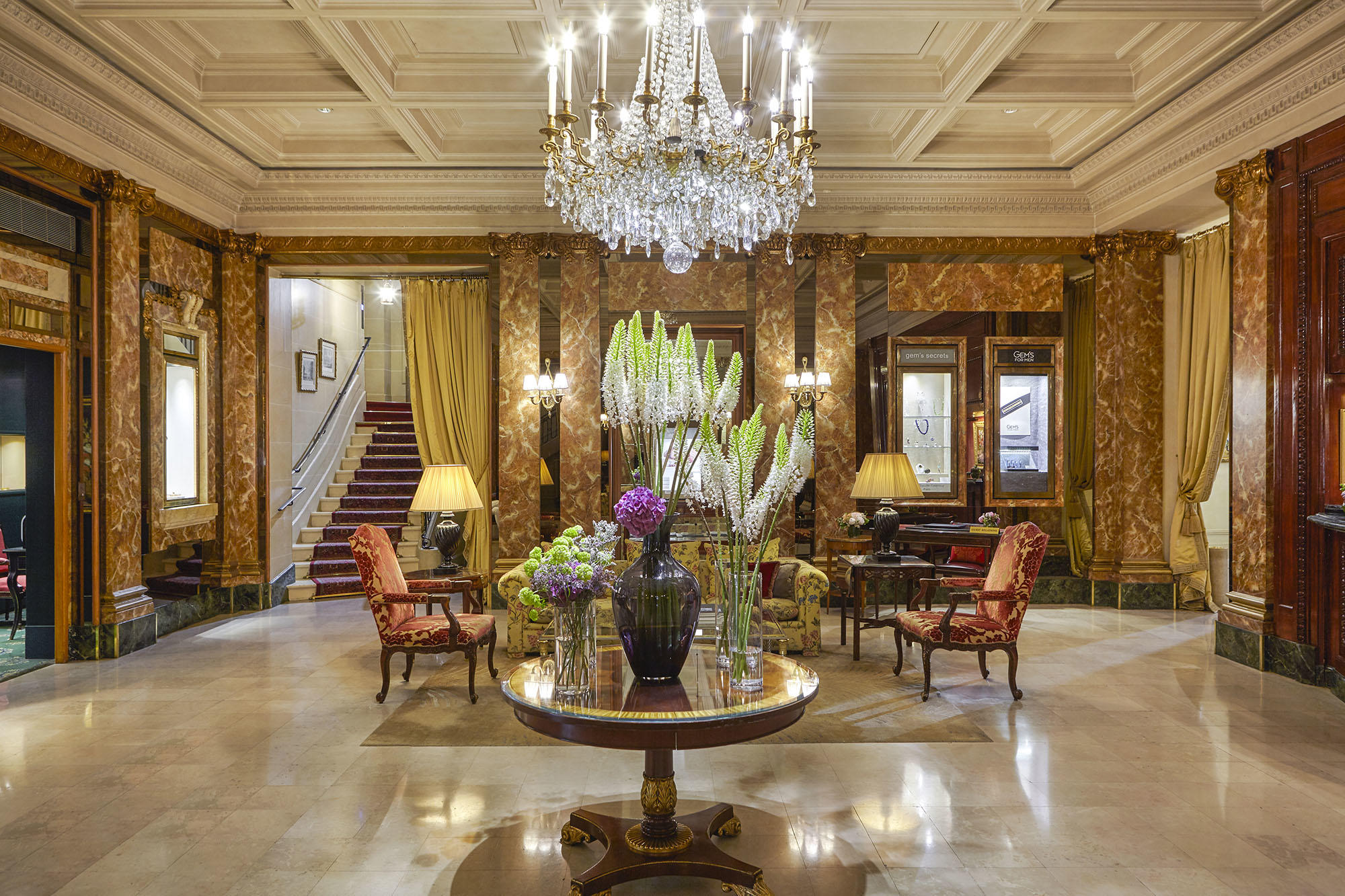 Lobby side way at Hotel Westminster Warwick Paris
