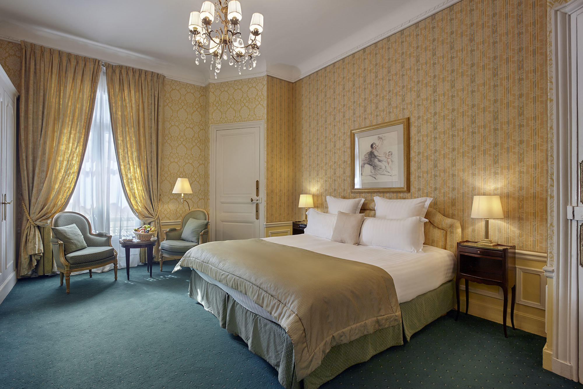 Executive Room Bedroom at Hotel Westminster Warwick Paris