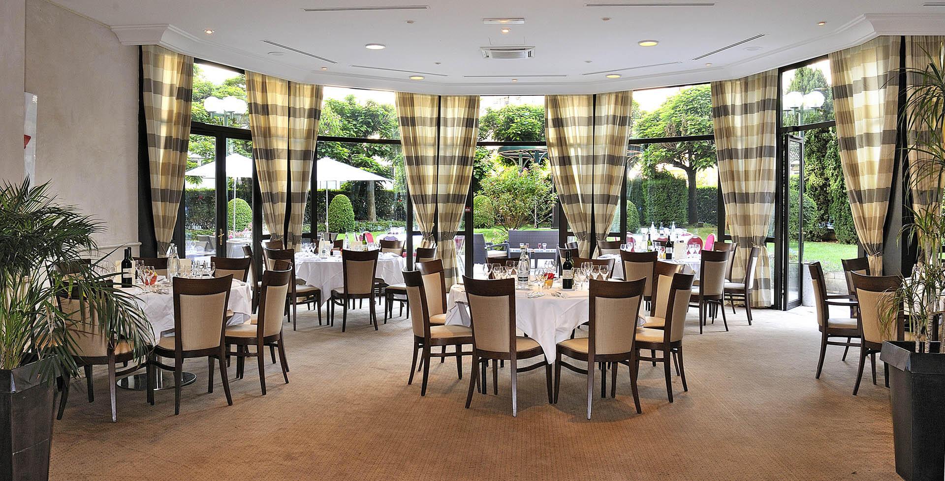 Salle de banquet Roseraie au Warwick Astrid Lyon