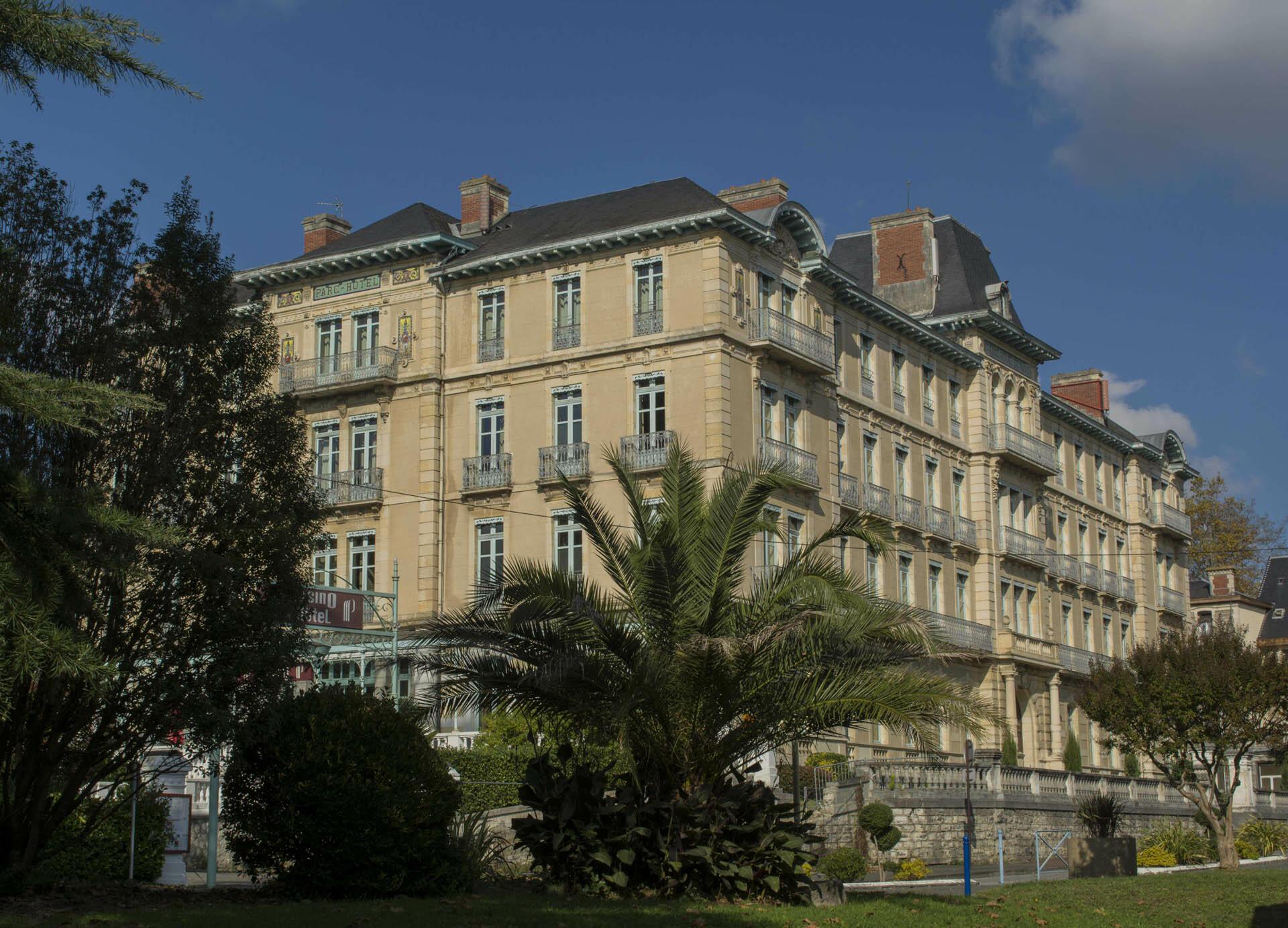 Hôtel du Parc in Salies-de-Béarn, France