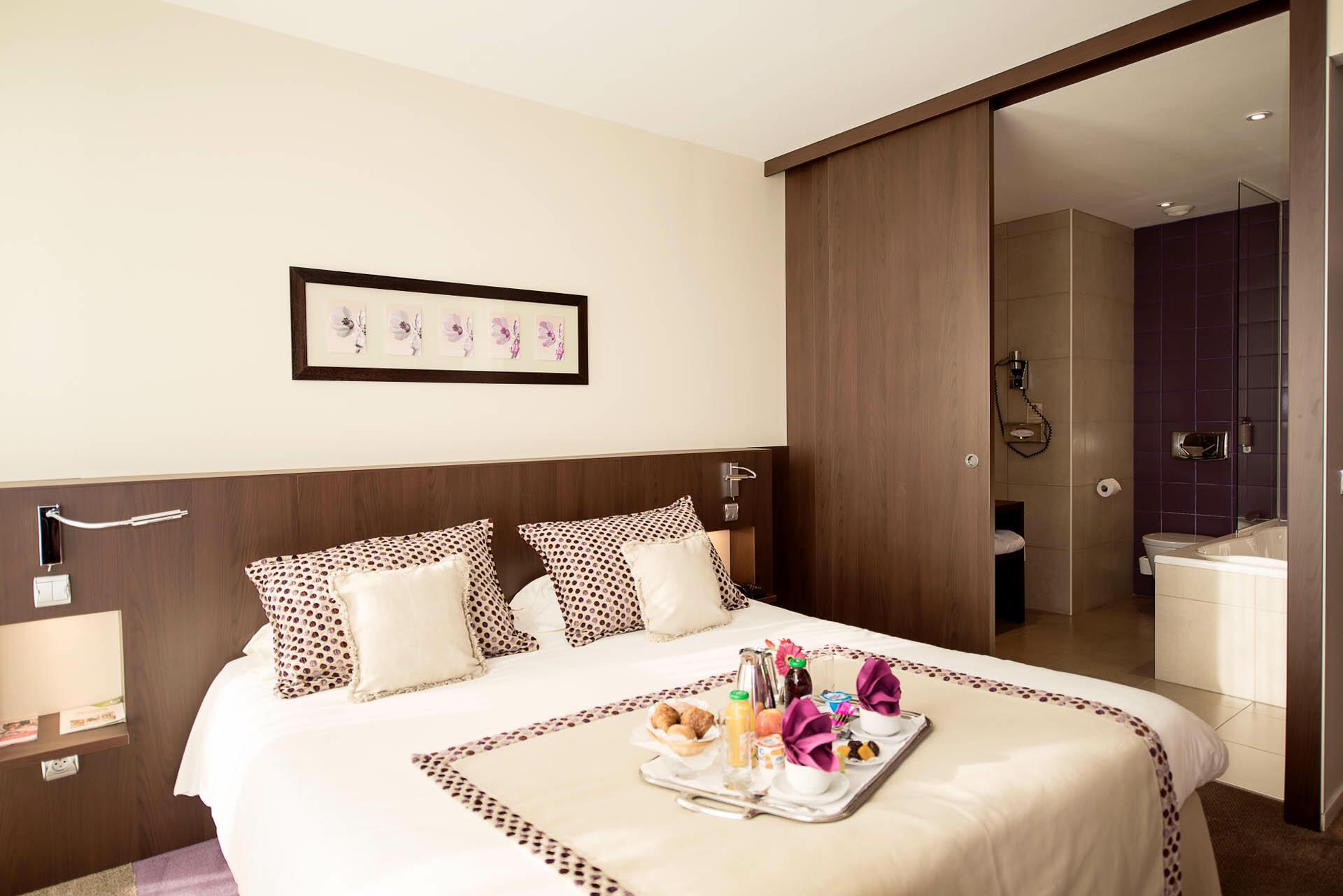 Comfort Room at Hôtel du Pasino in Saint-Amand-Les-Eaux, France