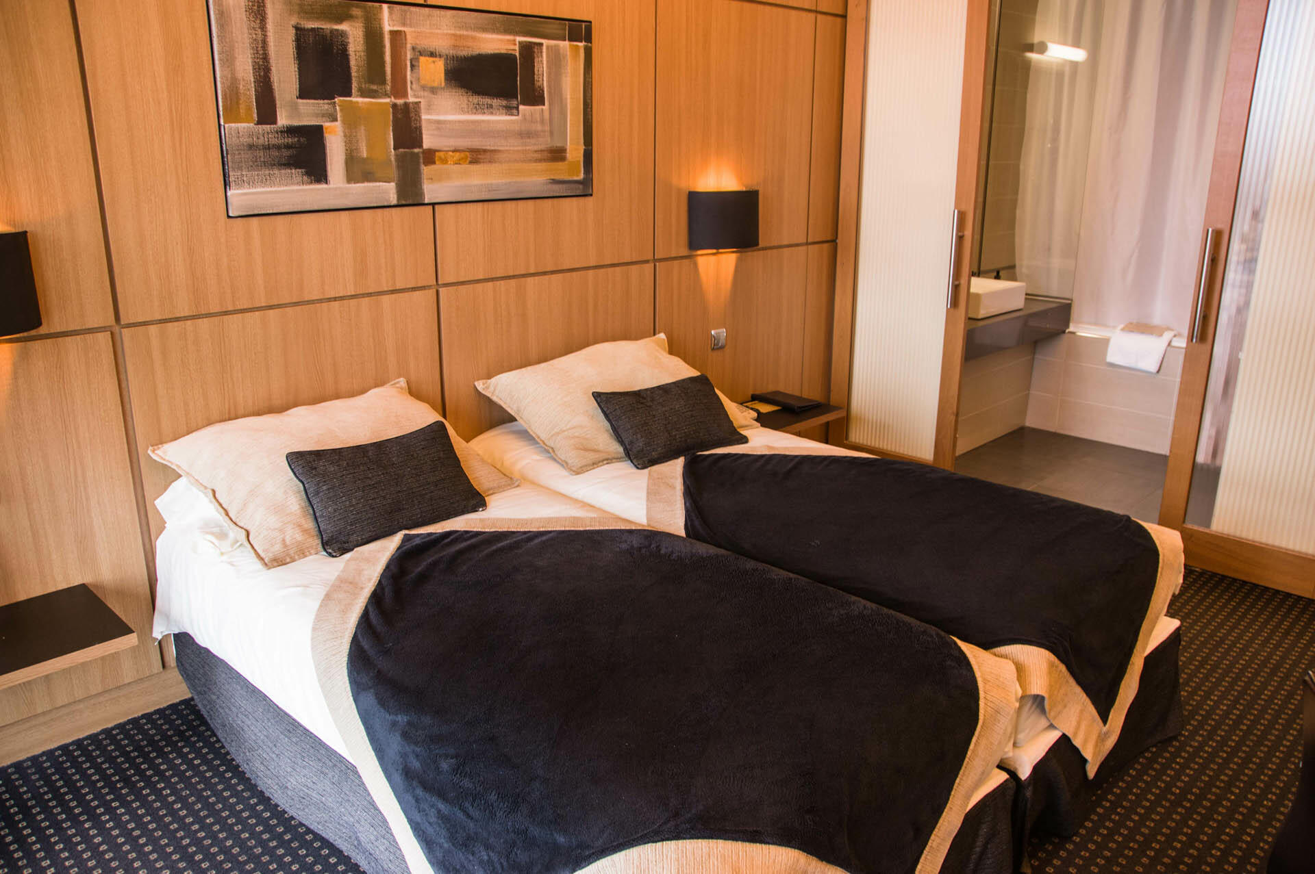 Twin room at Hotel du Pasino in Le Havre, France
