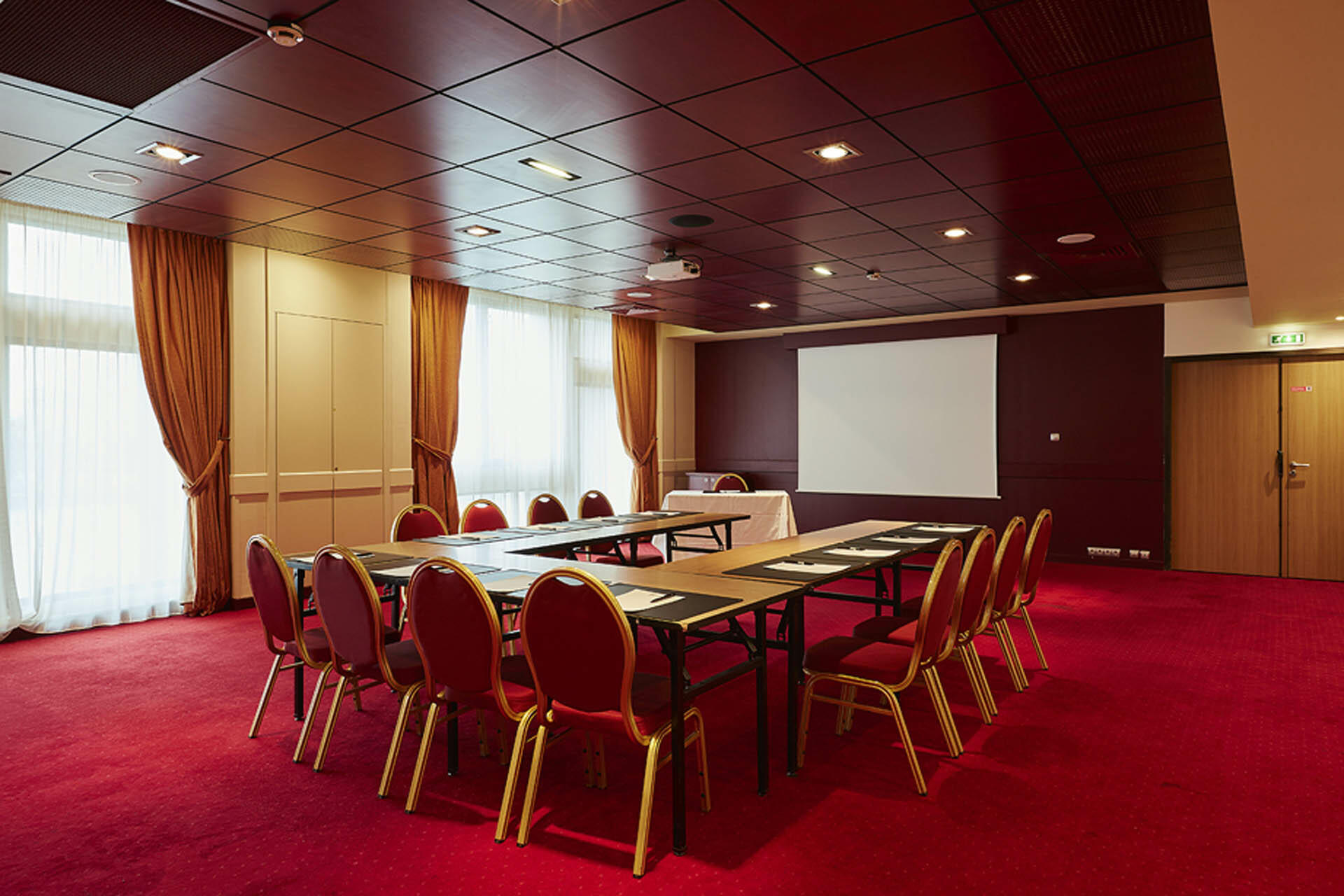 Seminar at Hotel du Pasino in Le Havre, France