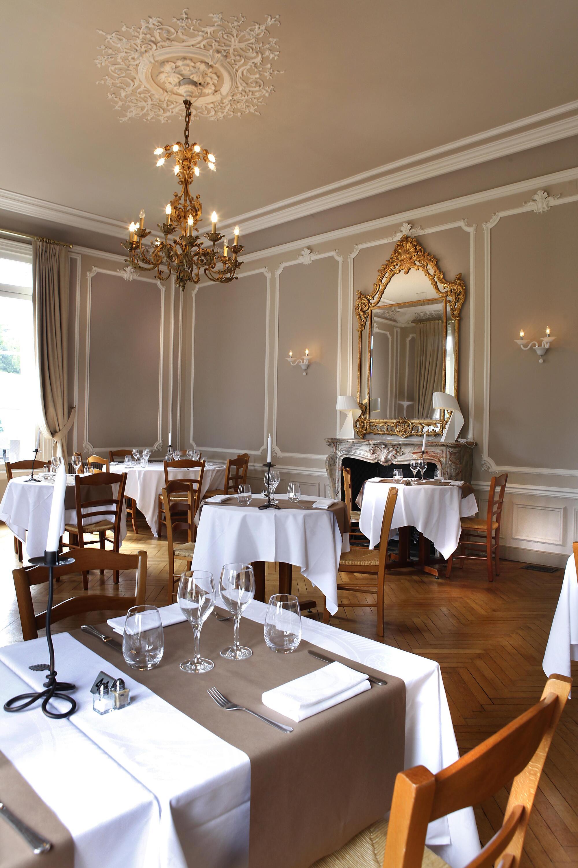 Restaurant at Golf Hotel de Saint-Saëns in Normandy