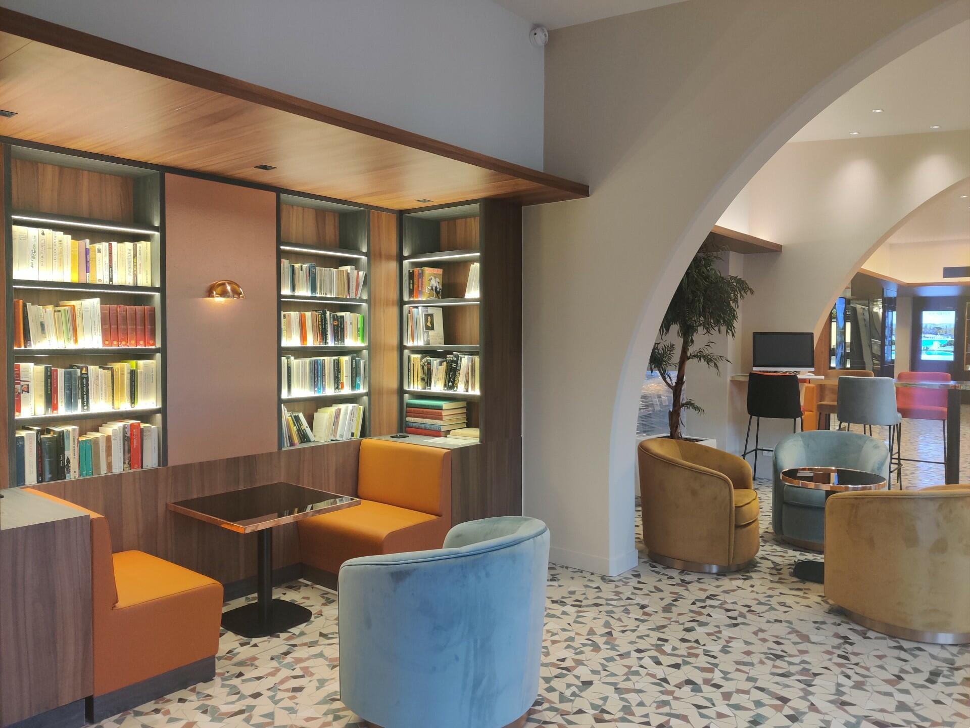 Reception at Aquabella Hotel & Spa in Aix-en-Provence